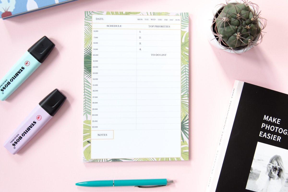 planer dnia tropikalne liście