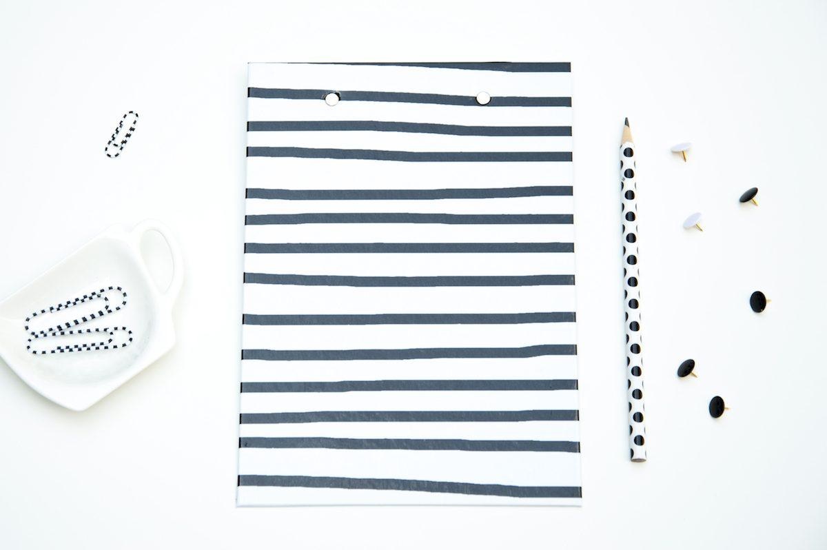 deska z klipsem czarno biala