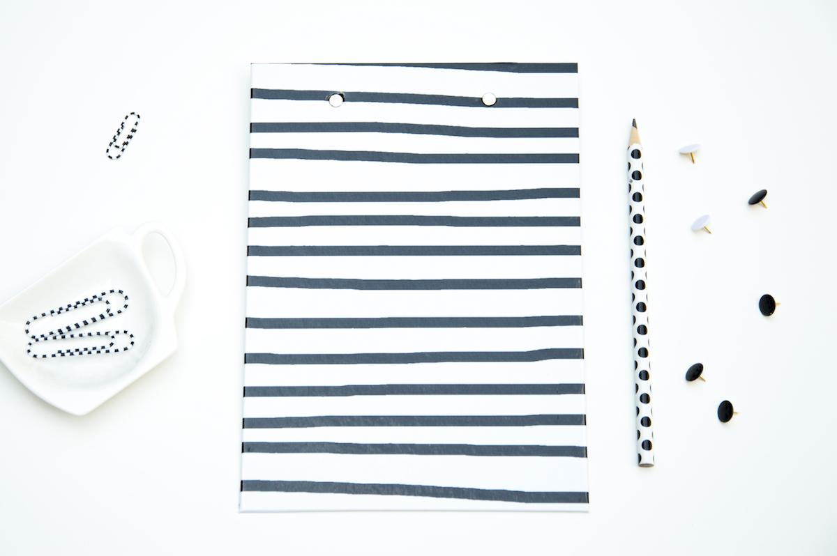 deska z klipsem czarno biała a5