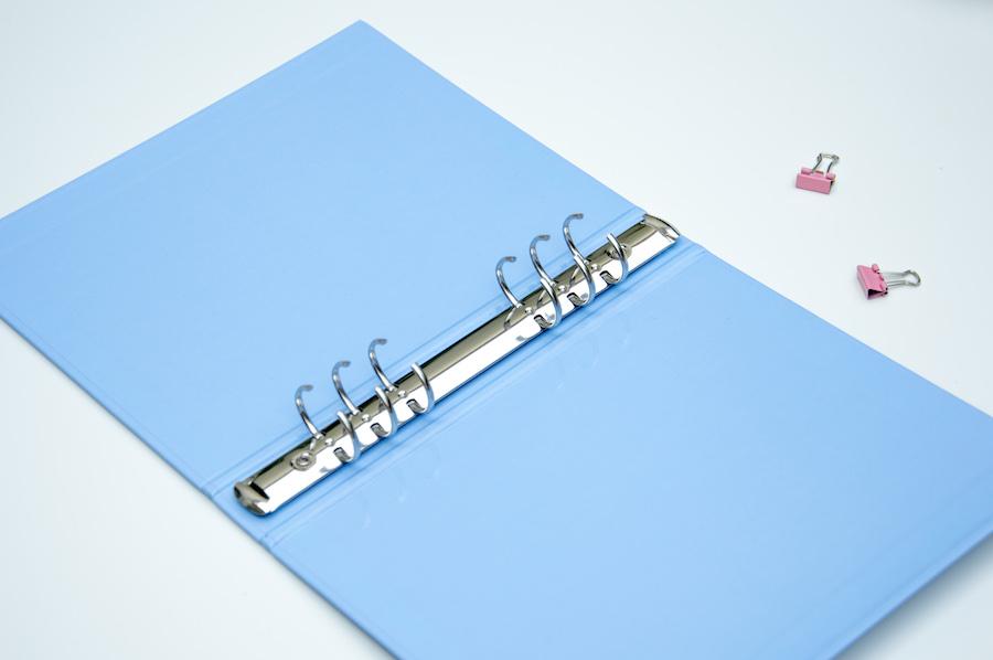 segregator na organizer a5 pastelowy niebieski okładka