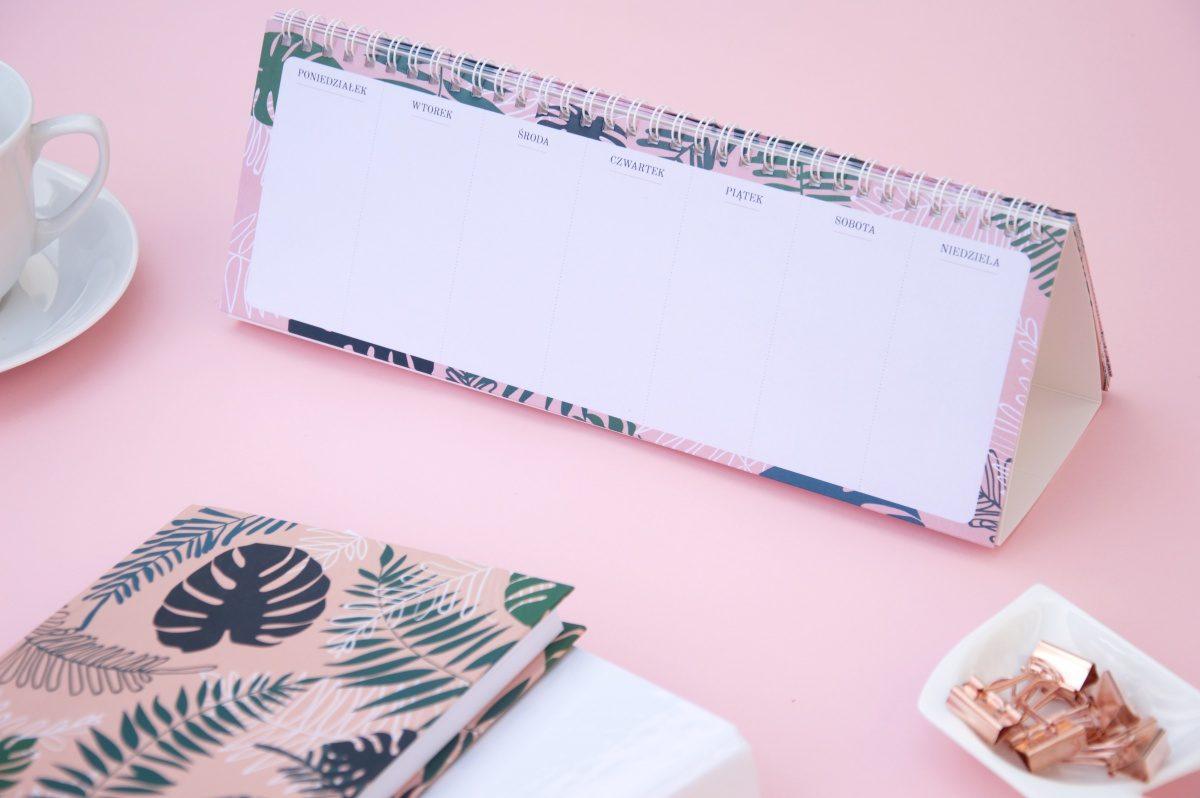 planer do postawienia na biurku