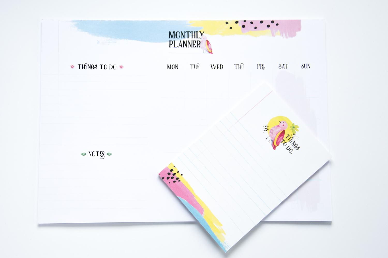 prezent na biurko planer miesięczny i lista zadań notes to do
