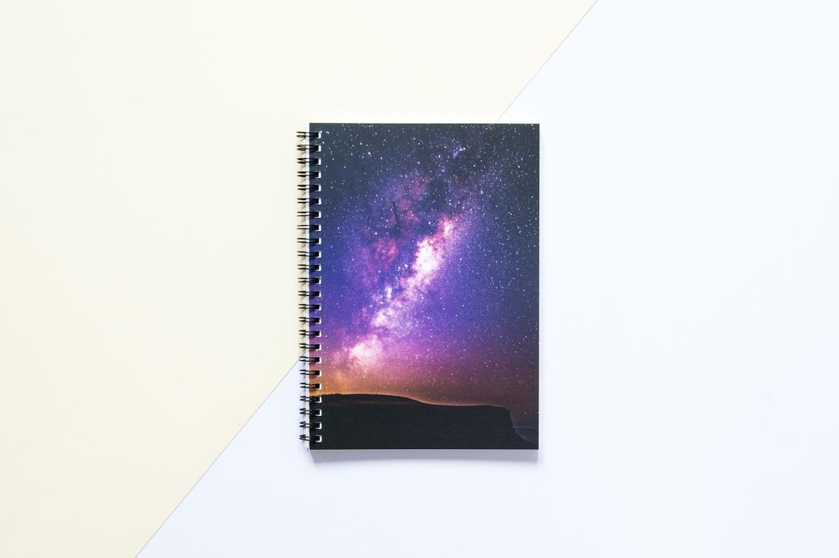 bullet journal zeszyt w kropki nocne niebo