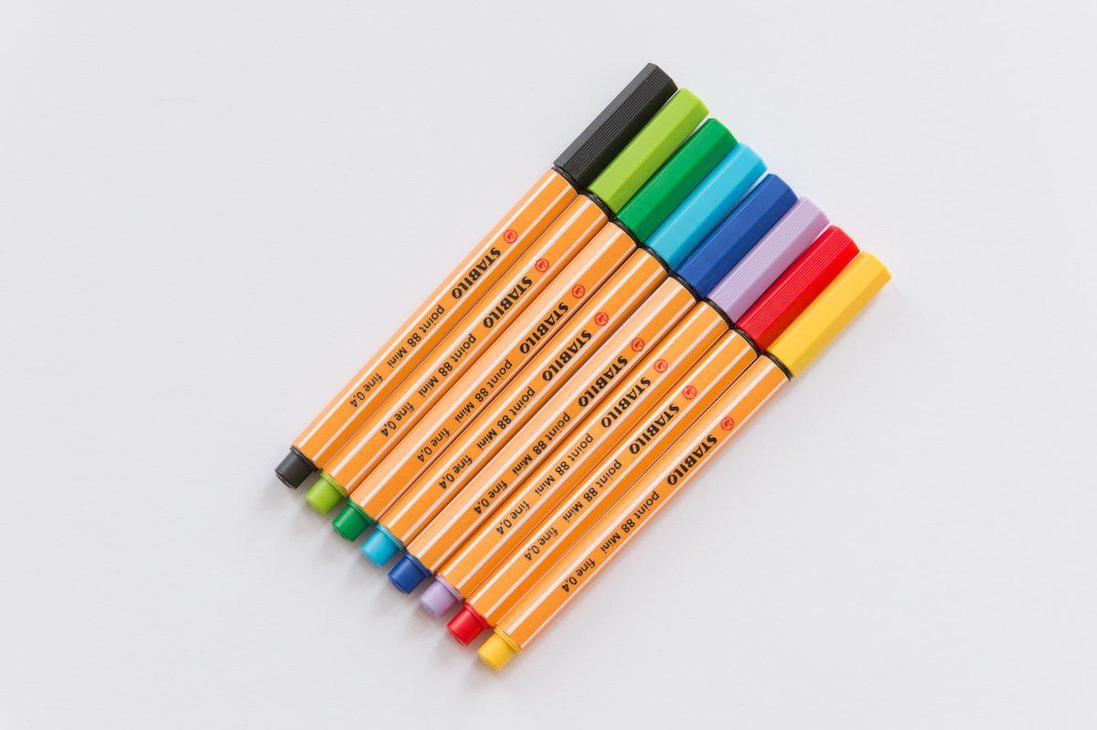 cienkopisy-stabilo-kolory