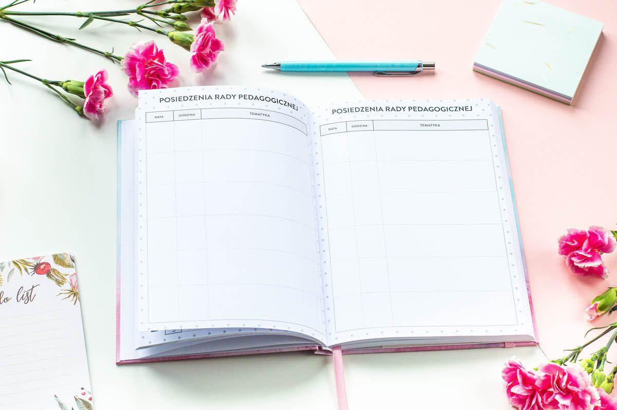 kalendarz nauczyciela książkowy środek 1