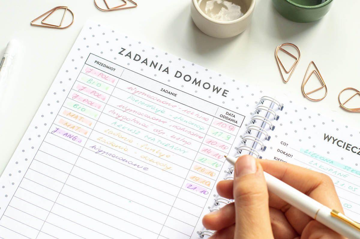 planer ucznia środek zadania domowe