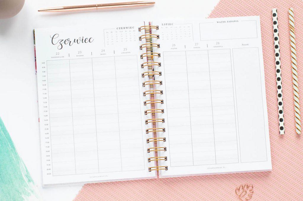 planer male uslugi planer tygodniowy 1024x681 - Planer Ogarniam Biznes