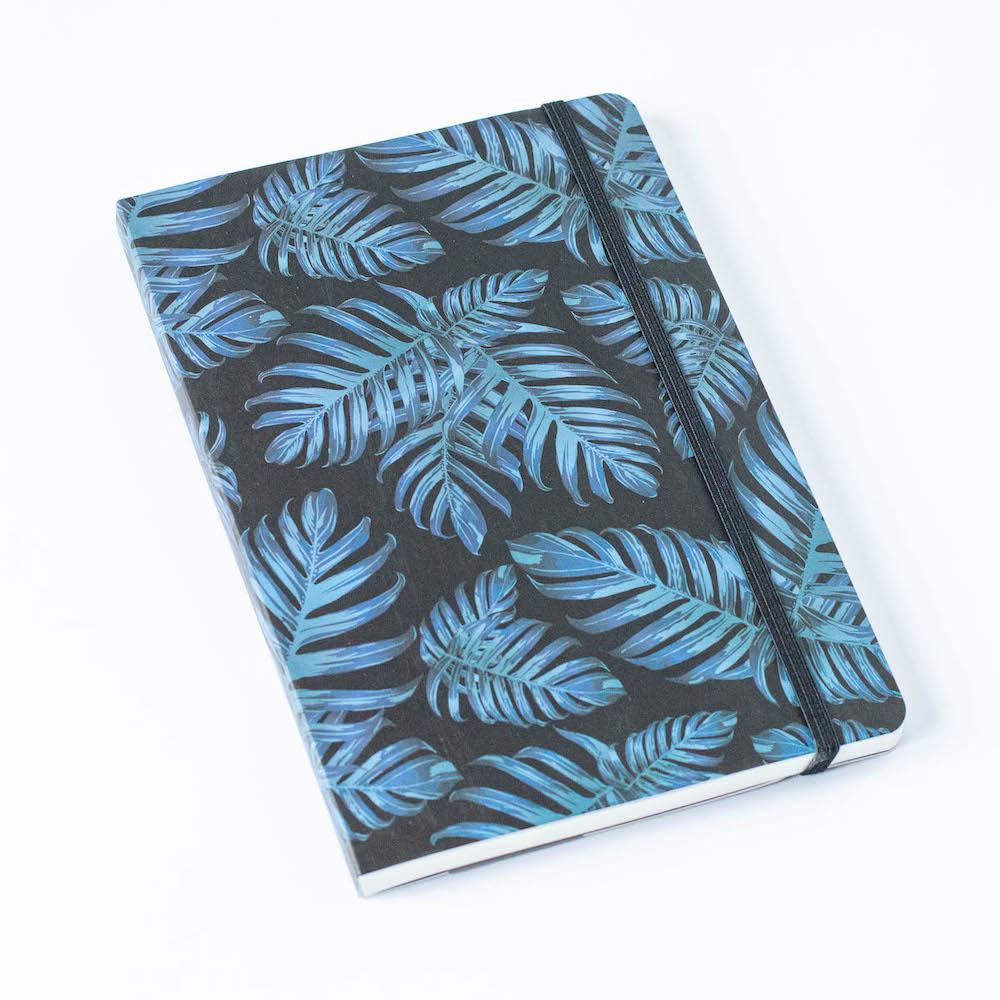 Bullet Journal, niebieskie liście