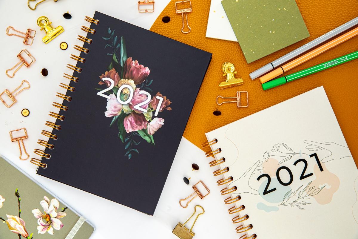 Personalizowany Planer 2021 kompozycja dwóch okładek 3