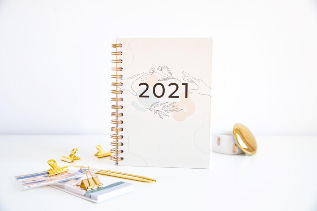 Personalizowany Planer 2021 okładka minimal w pionie