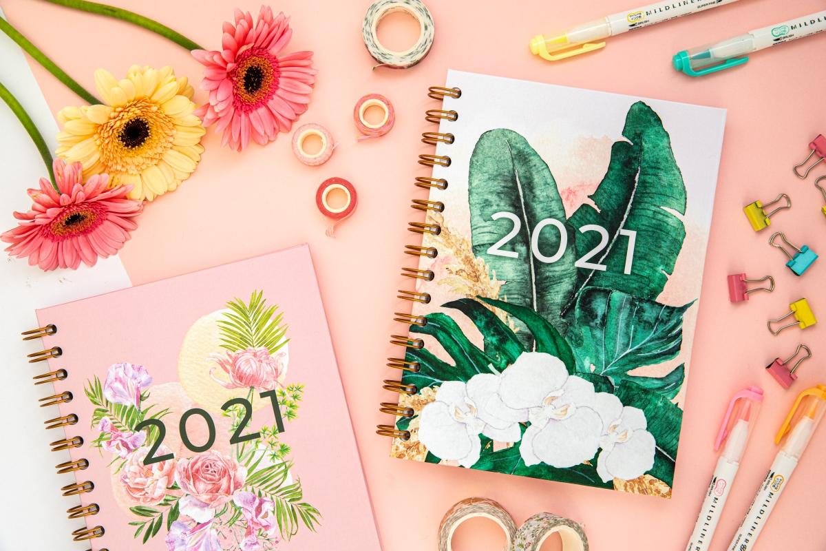 Personalizowany Planer 2021 kompozycja dwóch okładek 2
