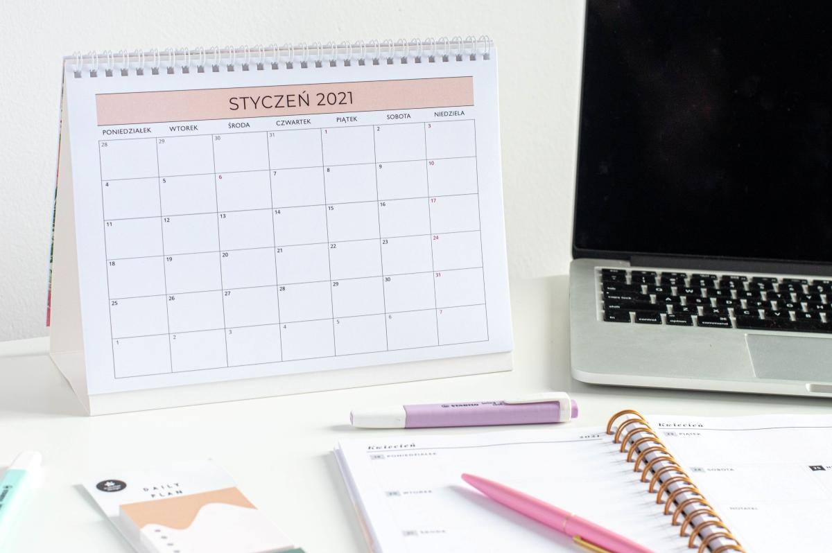 Planuję mój rok kalendarz 2021 na biurko środek 2