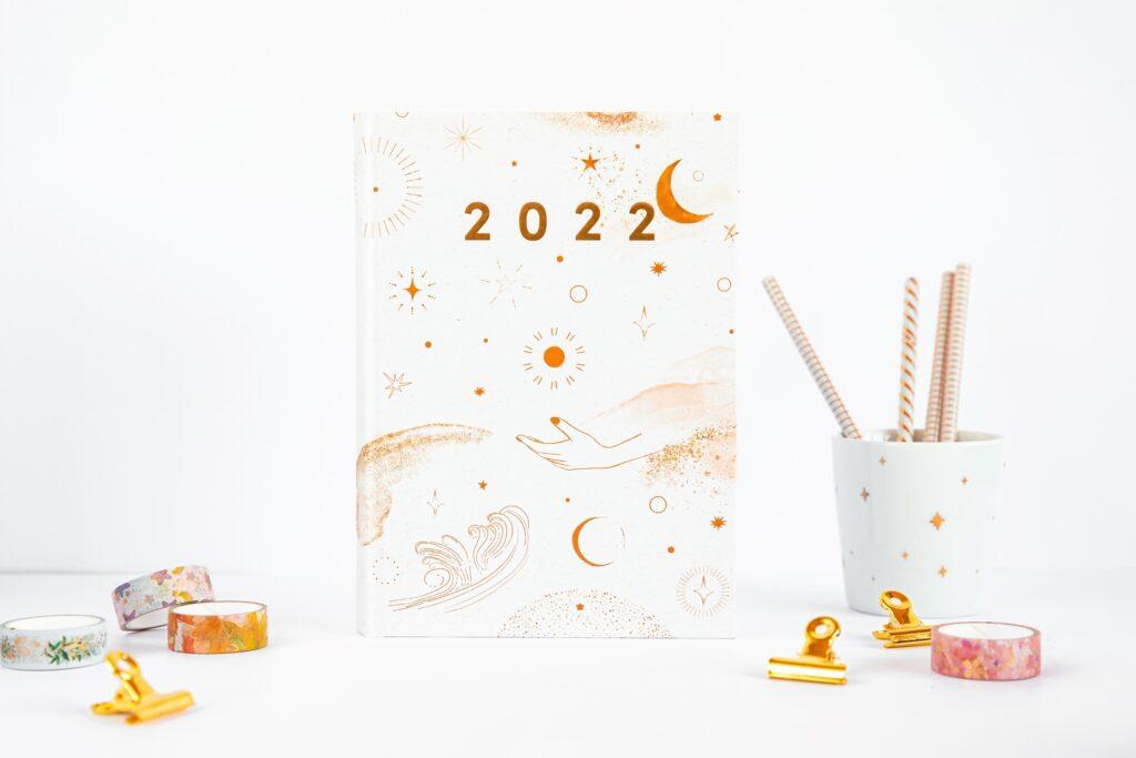 Planer książkowy 2022 magiczny minimalizm