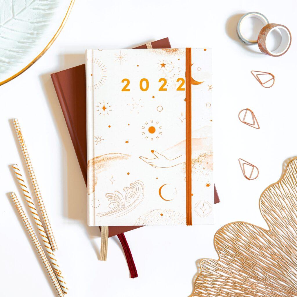 Planer książkowy magical minimalism stosik